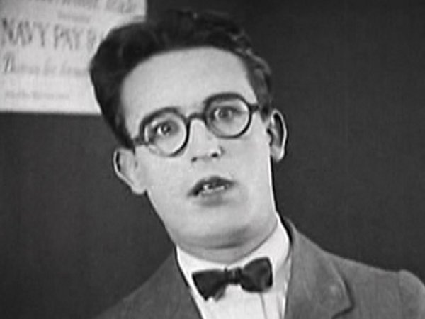 harold lloyd juniorharold lloyd pinched, harold lloyd junior, harold lloyd interview, harold lloyd young, harold lloyd presents, harold lloyd mildred davis, harold lloyd short films, harold lloyd films, harold lloyd guns, harold lloyd the marathon, harold lloyd wiki, harold lloyd safety last, harold lloyd clock